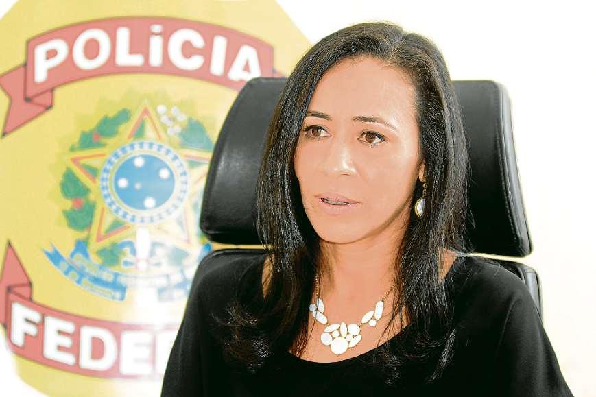 """Andreia Canal, da PF: """"Uma arma foi feita para matar"""""""