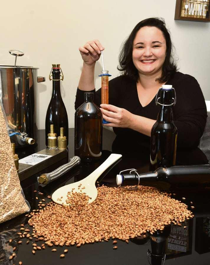 Luciana Zamprogne deixou a profissão de pesquisadora para se dedicar à produção de cerveja
