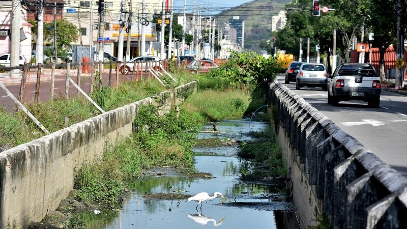Data: 26/05/2017 - ES - Vitória - Avenida Leitão da Silva, em Vitória - Pauta especial sobre os rios urbanos