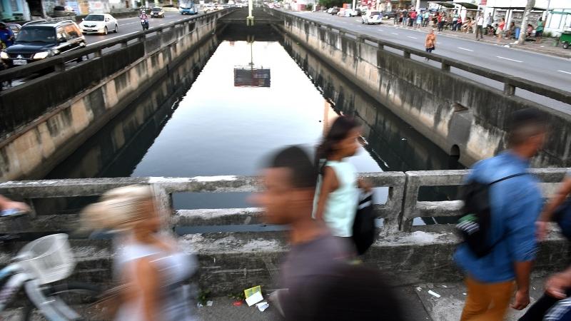 Canal da Costa, em frente ao Shopping Praia da Costa, em Vila Velha