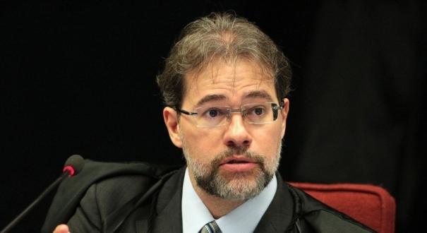 Toffoli disse que a liberdade expressão tem limites, e o STF não tem?