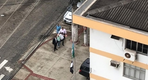 O atirador foi preso por volta das 18h15 desta quarta-feira (26) e presta esclarecimentos na DHPP de Vitória