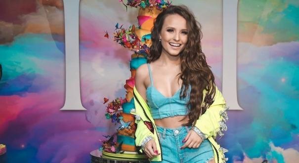3693d44f479cf A atriz Larissa Manoela na festa de aniversário em comemoração aos seus 18  anos