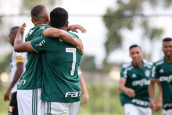 546fc83bb3 O Palmeiras está na final da Copa RS e agora aguarda o duelo entre Vasco e  São Paulo para saber qual será o rival na decisão. O Verdão empatou a semi  com ...